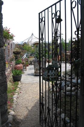 Come in, take a look, and gather ideas for your own garden project