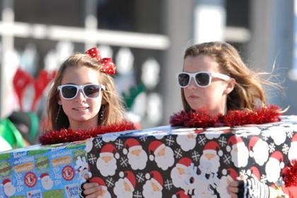 "Parade Participants - ""Girls in Glasses"" (Photo courtesy of Glenn Bolivar)"
