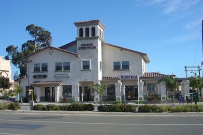 Restaurants, shops, and businesses near the Grover Beach Train Station
